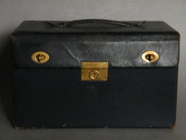 #1019 Rare 1930s Fitted Leather Elizabeth Arden Theatrical Make-Up Case