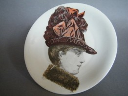"#1359 ""Porcelaine de Paris"" Victorian French Fashion Dish, circa 1960s"