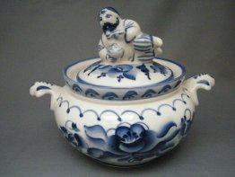 #1694  Soviet Russian Blue & White Porcelain Tureen, circa 1970s
