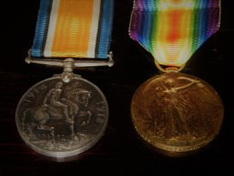 #1704 First World War Medals - Private German Queens Regiment