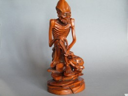 #0009   18th Century Chinese Boxwood Figure 'Damo'  -  Sold to China - April 2012 售至中国 - 2012 年4月