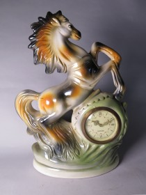 #1511  Lustre Pottery Horse Mantle Clock from Italy, circa 1955-1965   **SOLD** December 2017