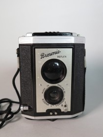 #1602  Kodak Brownie 'Reflex' Camera, circa 1945 - 1960  **SOLD** June 2017