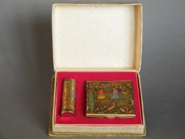 #0217 Boxed Stratton Persian Pattern Powder Compact & Lipstick Holder circa 1950s **SOLD**