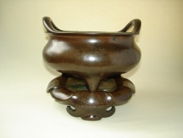 #0182 17th Century Bronze Chinese Censer and Stand  **Sold** to USA - January 2010 售至美国 - 2010年1月