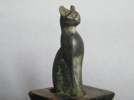 #1401 Rare Ancient Egyptian Bronze Cat, Late Period (664 - 332 BC)**Sold** to France - July 2015/售至法国 - 2015.7