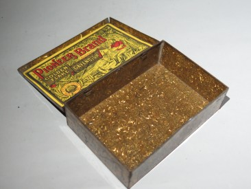 #1000  Pioneer Brand (Liverpool) Golden Flake Tobacco Tin, circa 1890-1910  **SOLD**  September 2017