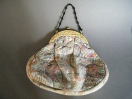 #0844 Tapestry Ladies Handbag with (circa 1920s) Celluloid Clasp  *SOLD*